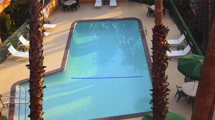 Saga Motor Hotel Pasadena Encuentra El Mejor Precio