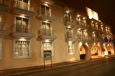 Casa Real Hotel And Suites