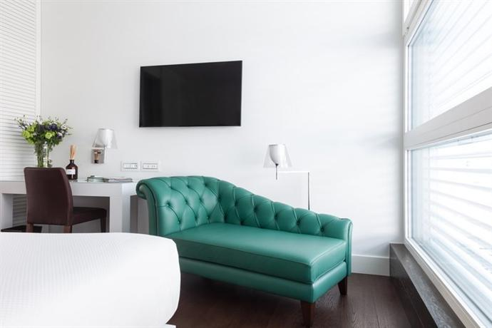Hotel magna pars small luxury hotels of the world milan for Small and luxury hotels