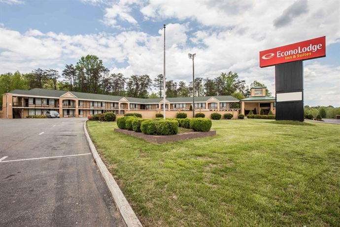 Econo Lodge Inn & Suites Pilot Mountain