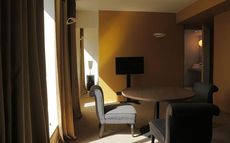 hotel et appart 39 hotel l 39 adresse saint malo compare deals. Black Bedroom Furniture Sets. Home Design Ideas