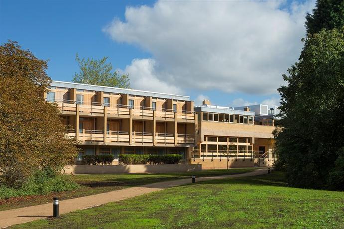 College Court