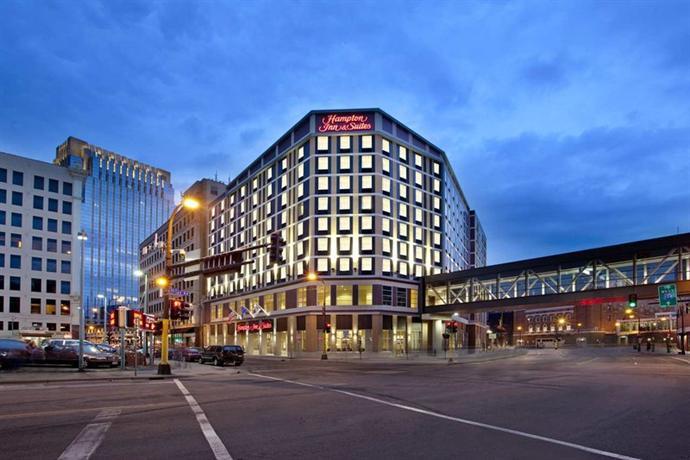 Hampton Inn & Suites - Minneapolis Downtown