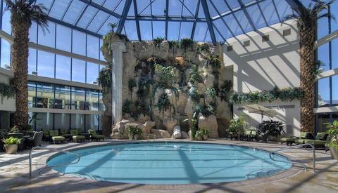 Atlantis casino resort spa reno compare deals - Reno hotels with indoor swimming pool ...