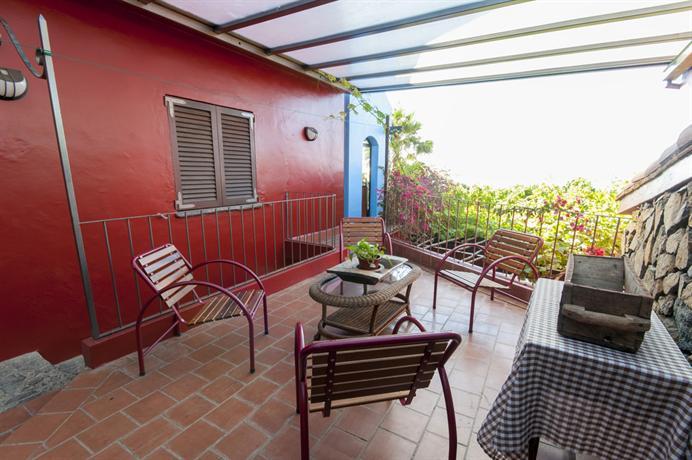 Villa de lujo con preciosas vistas sauna y piscina el for Booking hoteles de lujo