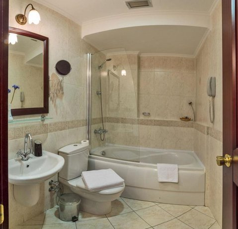 Hotel Daphne Istanbul - Compare Deals