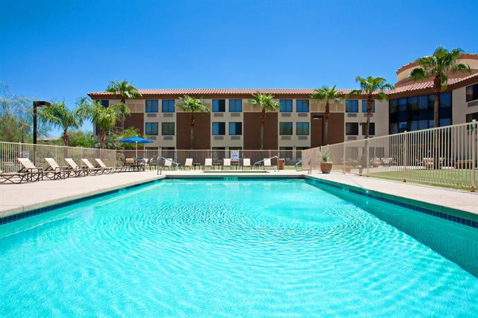 Holiday Inn Express Scottsdale North Compare Deals
