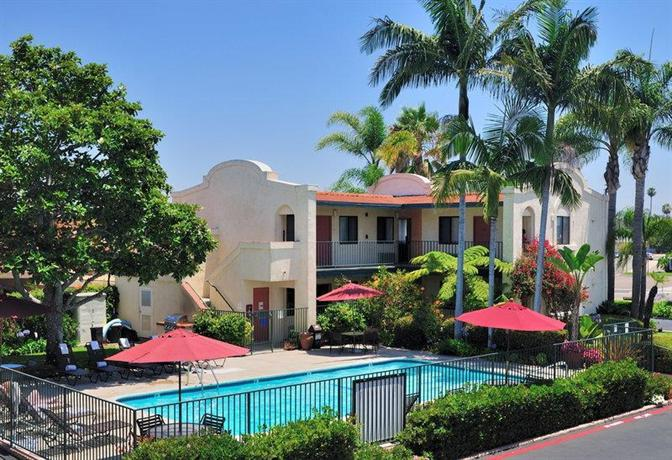 BEST WESTERN Lamplighter Inn and Suites at SDSU