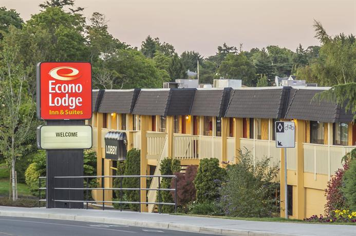 Econo Lodge Inn & Suites Esquimalt