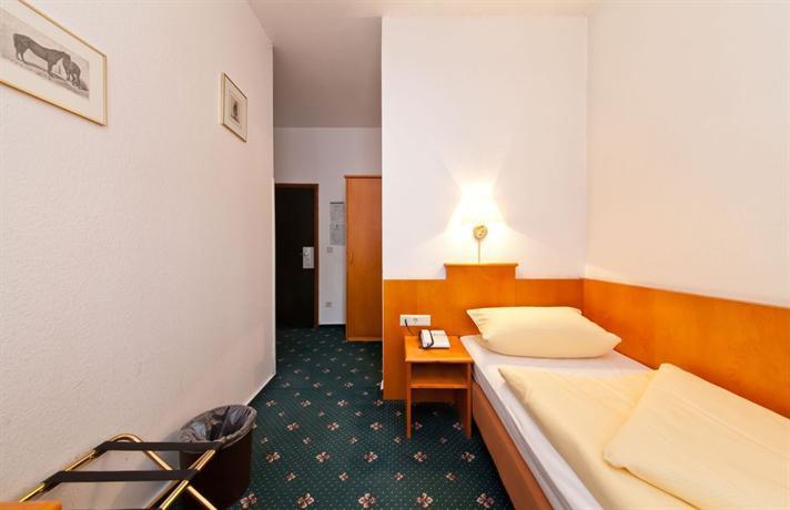 Hotel Ahl Meerkatzen Koln