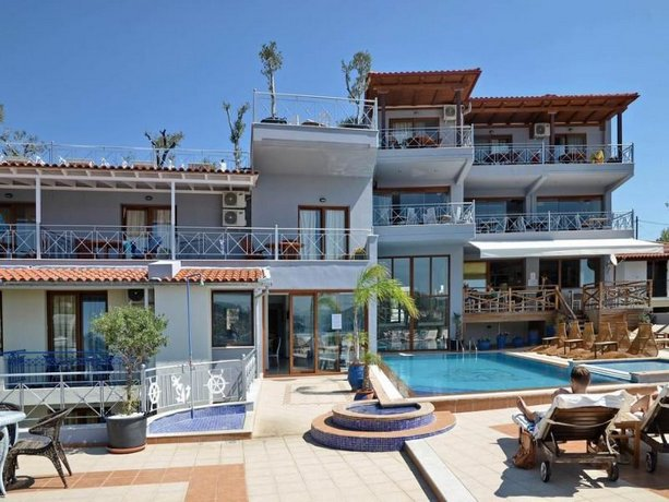Aria hotel megali ammos skiathos skiathos town compare for Skiathos town hotels