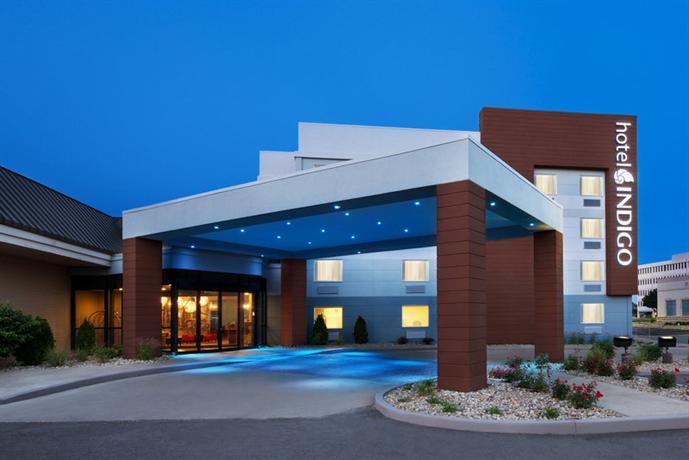 Hotel indigo cleveland beachwood hotels cleveland for Les prix des hotel