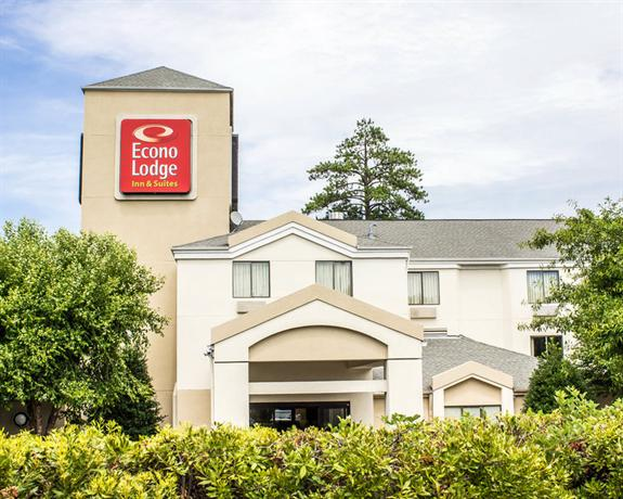 Econo Lodge Inn & Suites Raleigh