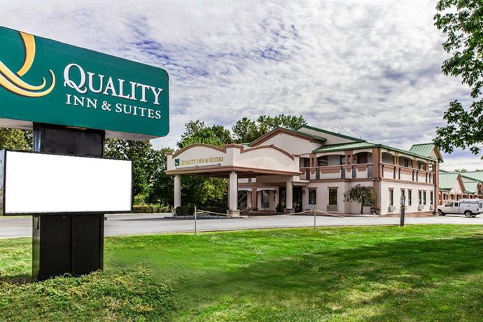 Quality Inn & Suites Milford Square