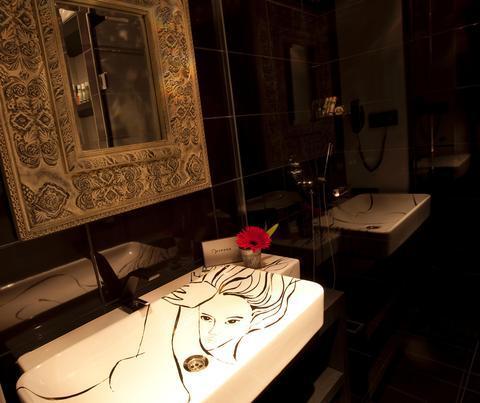 Hypnos design hotel istanbul compare deals for Designhotel istanbul