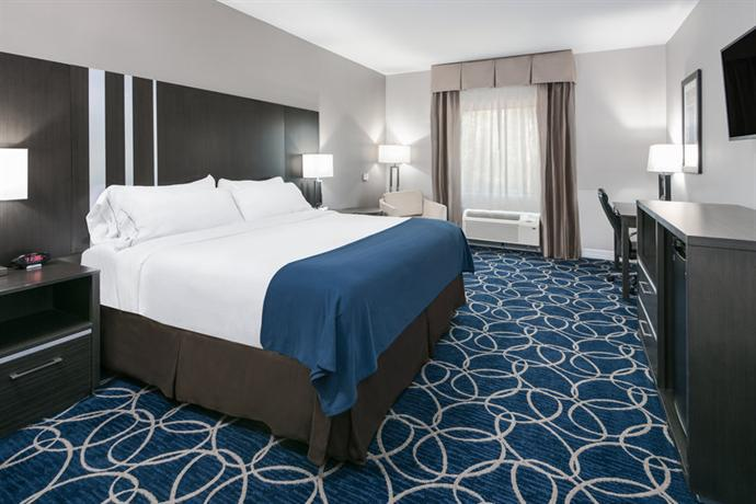 Holiday Inn Express & Suites Houston North  IAH Area  pare Deals