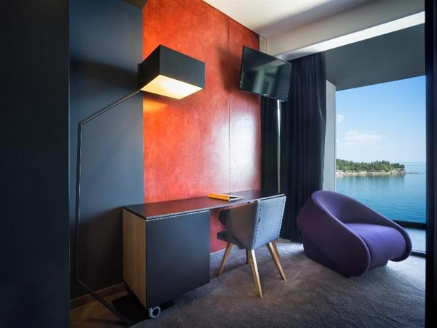 Design hotel navis opatija compare deals for Designhotel navis