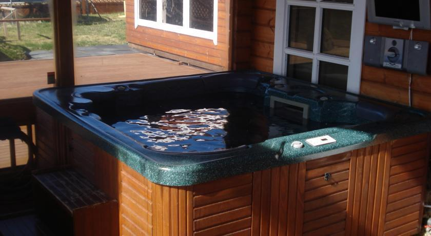 Glaesibaer Luxury Summerhouse With Hot Tub And Sauna