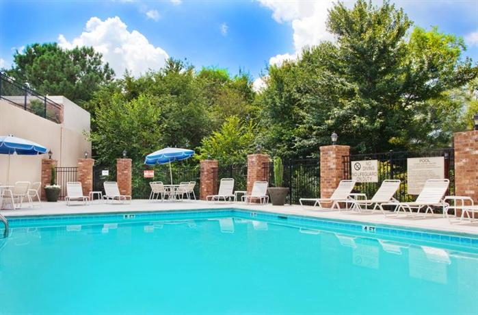 Holiday Inn Express & Suites Powder Springs