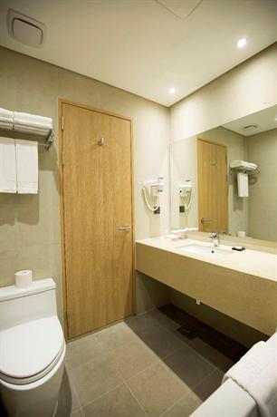 Best western haeundae hotel busan compare deals for Best western bathrooms