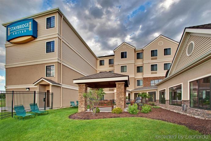 Staybridge Suites Davenport  pare Deals