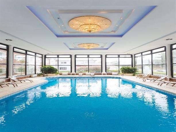 Unique luxury patagonia hotel el calafate compare deals for Hotel unique luxury calafate tripadvisor