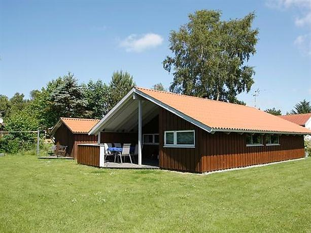 Three-Bedroom Holiday home in Farso 1