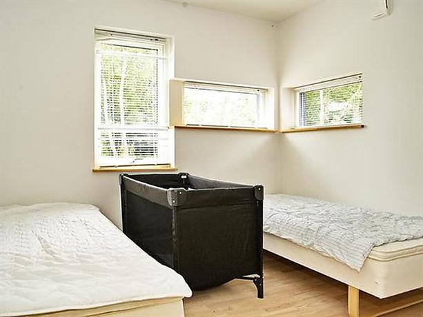 Six-Bedroom Holiday home in Grenaa