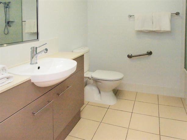 Oaks Gateway Suites Townsville Compare Deals