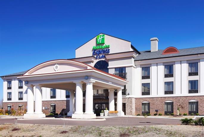 Holiday Inn Express Hotel & Suites Covington Tennessee