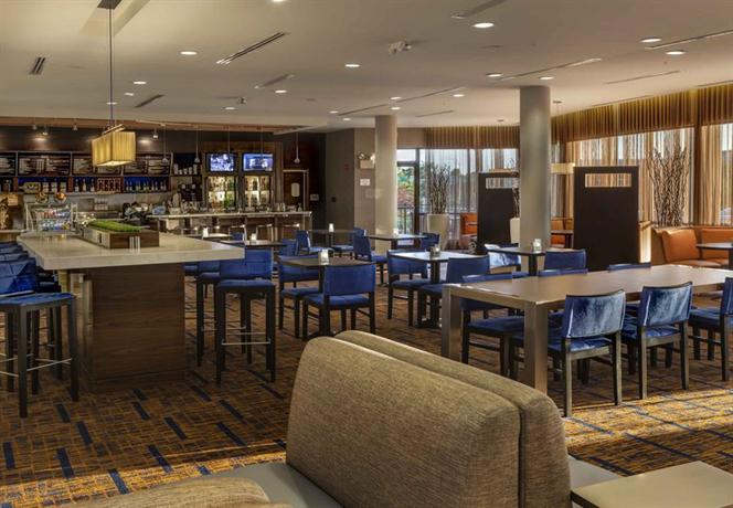 Hotel Rooms In Noblesville Indiana