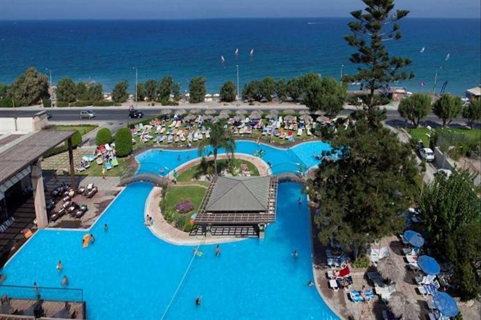 Hotel oceanis ialysos rhodes comparez les offres for Piscine oceanis