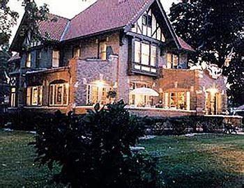 The Mansion Bed & Breakfast West Dundee