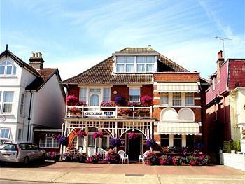 chudleigh hotel clacton on sea compare deals. Black Bedroom Furniture Sets. Home Design Ideas