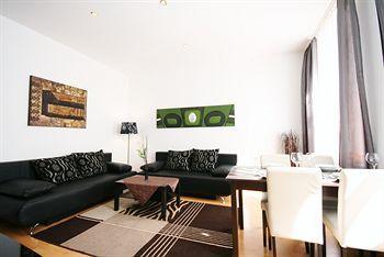 Luxury schonbrunn apartment vienna compare deals for Designer apartment vienna
