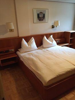Zum Hauschen-Domblick-Messe-Hotel