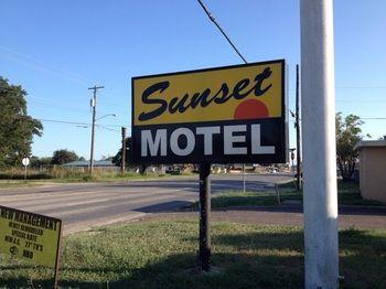 Sunset Motel Alice