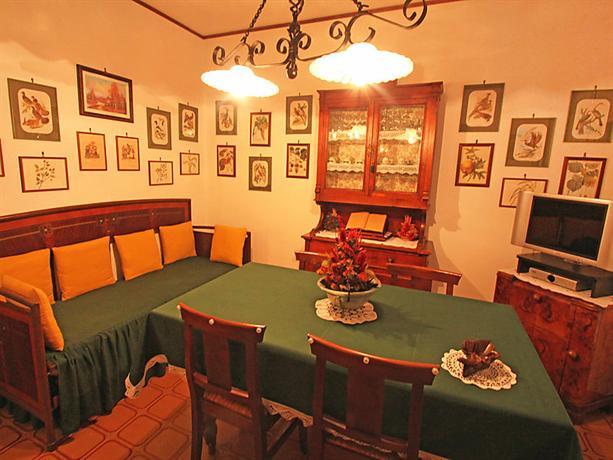 interhome le betulle cisterna d 39 asti compare deals. Black Bedroom Furniture Sets. Home Design Ideas