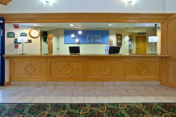 Holiday Inn Express Scottsburg