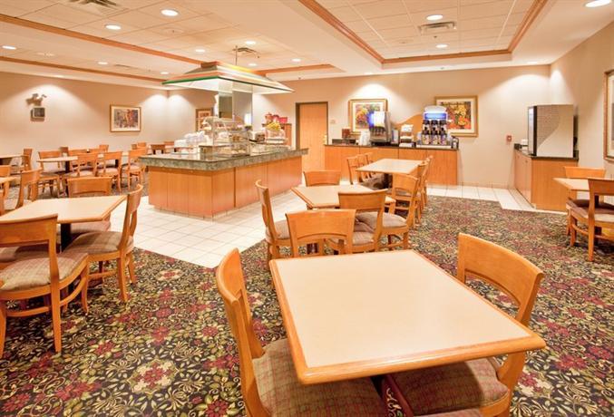 Hotel Rooms In Norfolk Nebraska