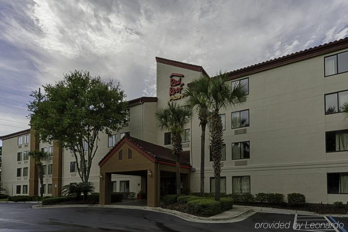 Red Roof Inn PLUS + Gainesville