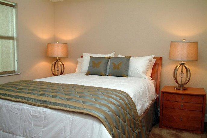Crystal Palms Apartments Reviews