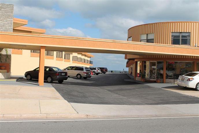 grand prix motel daytona beach compare deals. Black Bedroom Furniture Sets. Home Design Ideas