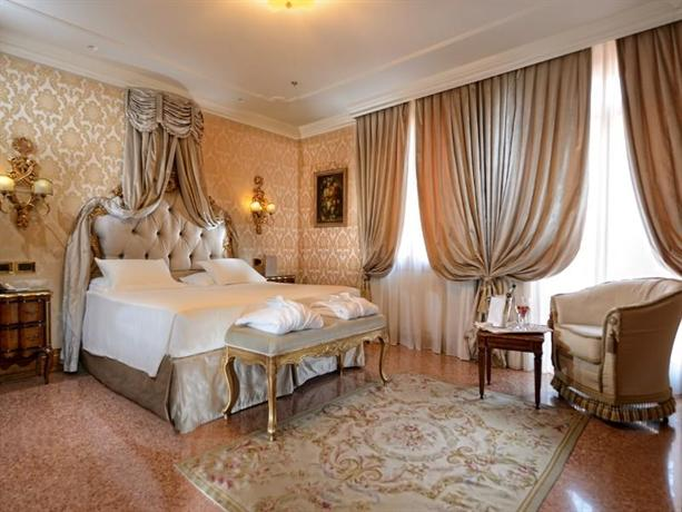 Hotel ai reali small luxury hotels of the world venice for Small luxury resorts of the world
