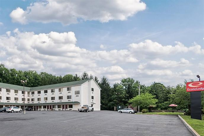 Econo Lodge Lavale