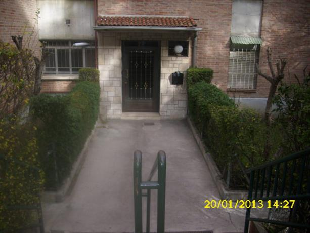 Homestay in aluche near colonia jardin metro station for Colonia jardin madrid