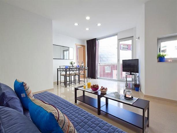 Charmsuites nou rambla hotels barcelone for Appart hotel barcelone avec piscine