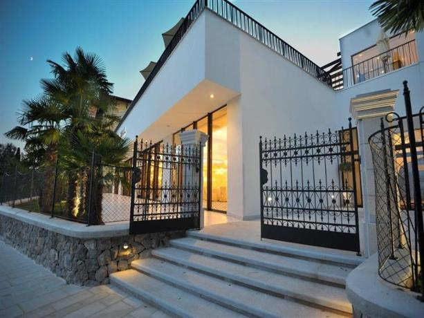 Design Hotel Royal Opatija Compare Deals