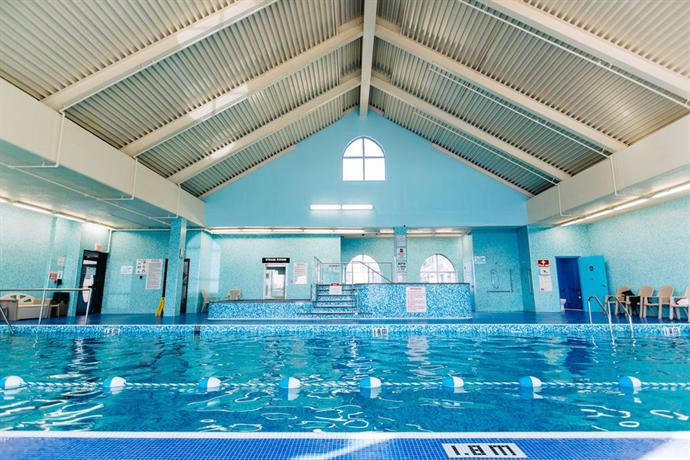 Fort garry hotel winnipeg compare deals for Pool spa show winnipeg