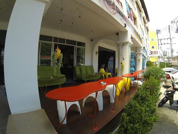 Phuket Guest Friendly Hotels - Karon Living Room Hotel